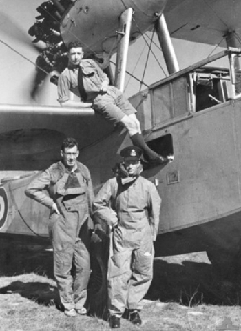 raaf-base-richmond-nsw.-c.-1938.-group-portrait-showing-flying-officer-john-napier-bell-wearing-cap-with-his-crew-members-of-a-supermarine-seagull-v-walrus-of-no.-5-fleet-cooperation-squadron-raaf-w640h480