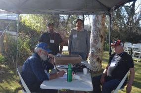 Ron, Bill, Debbis VK2HHA & Paul VK5FUZZ