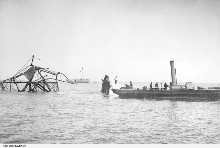 Clearing of the wreckage of Wonga Shoal
