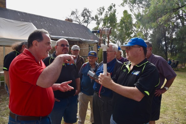 Steve (left) showing his 6m loop to Andy VK5LA (right) and other onlookers