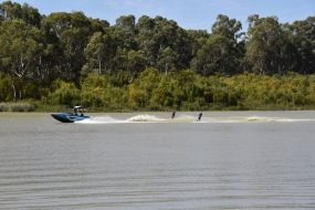 Waterskiing on the Murray at Renmark