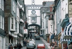 Totnes_High_Street